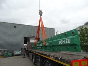 Truck loading multi Lug1